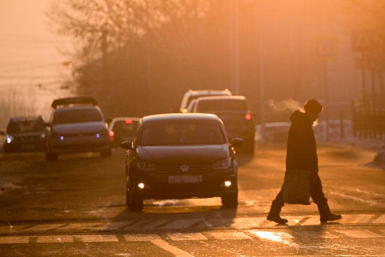 Неизбежно морозная погода сказалась на дорожной ситуации. Пользователи активно делились различными аварийными ситуациями