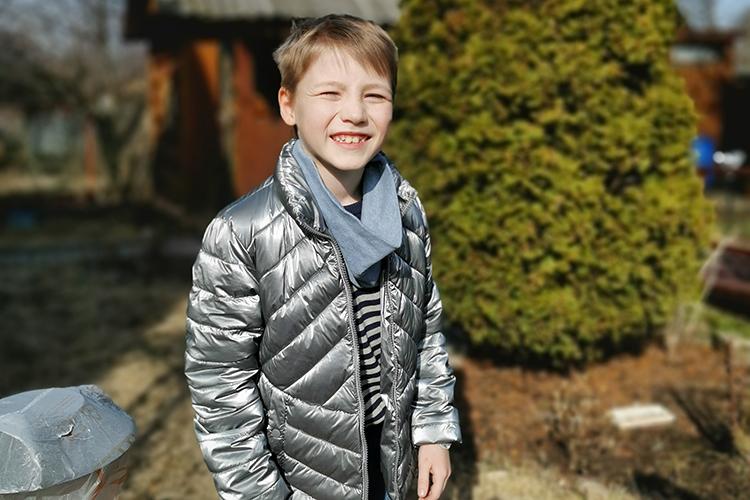 Маленькому казанцуРоме Троицкому, сынуВладиславаиОльги,9лет.Вгод ивосемь месяцев Роману поставили диагноз «детский церебральный паралич» иоформили инвалидность