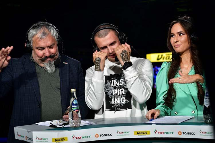 Вклубе старания Камили ценят (на фото:Махмуд Аракаев (слева), рэпер Нурминский (в центре) и Камиля Харисова)