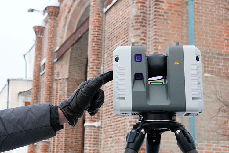 Исследования будут проводить спомощью наземных лазерных 3D-сканеров швейцарским прибором Leica Geosystems, для замеров выбраны 4точки вокруг башни Сююмбике