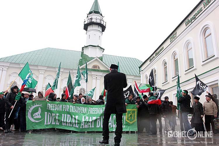 Прокуратура Татарстана ополчилась на Всетатарский общественный центр (ВТОЦ), требуя через Верховный суд РТ признать его экстремистской организацией и запретить его деятельность