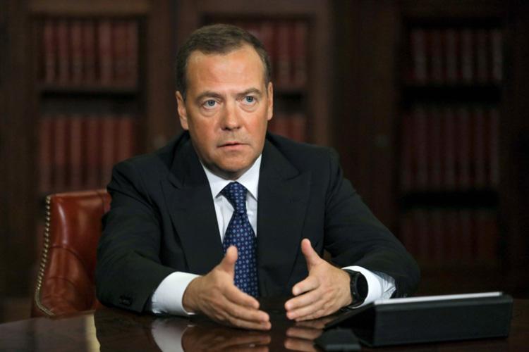 СегоднянасайтеТАСС врубрике «Мнение» появилась большая статья Дмитрия Медведева под названием «Америка 2.0. После выборов»
