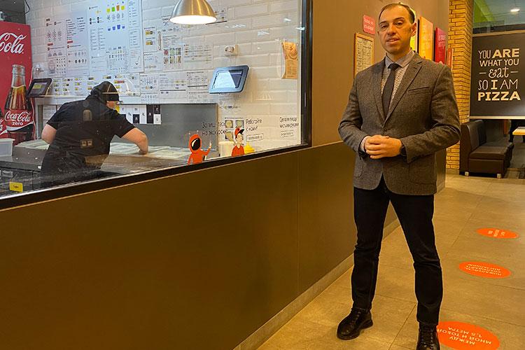 «Первое испытание — три отказа в партнерстве. В результате я выступил в качестве инвестора, и «Додо» открылось в Бугульме в 2013 году в формате дарк-китчен — работали только на доставку»