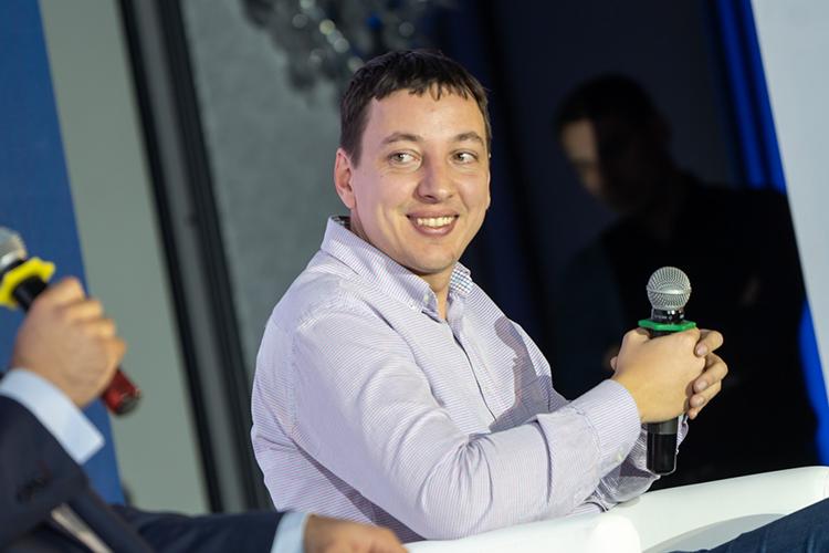 Довольно-таки высоко эксперты оценили председателя совета директоров иучредителя ООО«Банк 131»Дмитрия Еремеева (30)