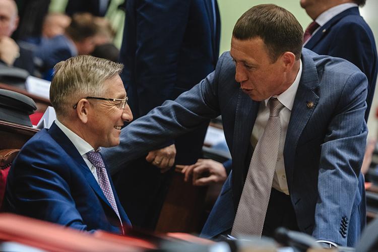 Министр финансов РТРадик Гайзатуллин(4)(слева на фото), которому эксперты в предыдущем рейтинге дали только 7-е место, заметно увеличил свое влияние