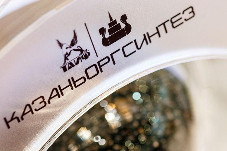 Чистая прибыль крупнейшего российского производителя полиэтиленов, ПАО «Казаньоргсинтез» рухнула на 42% до 11,6 млрд рублей по итогам отчетного года