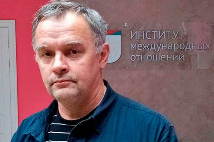 Дмитрий Люкшин: «Ленину пришлось очень сильно потрудиться для того, чтобы концептуально обосновать наличие и возможность смены общественно-экономических формаций в России»