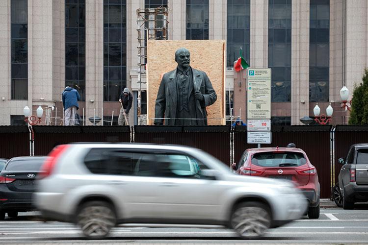 «Хорошо, уберем Ленина, и что? Мы должны либо начать перестраивать город, либо на место Ленина поставить кого-то другого»