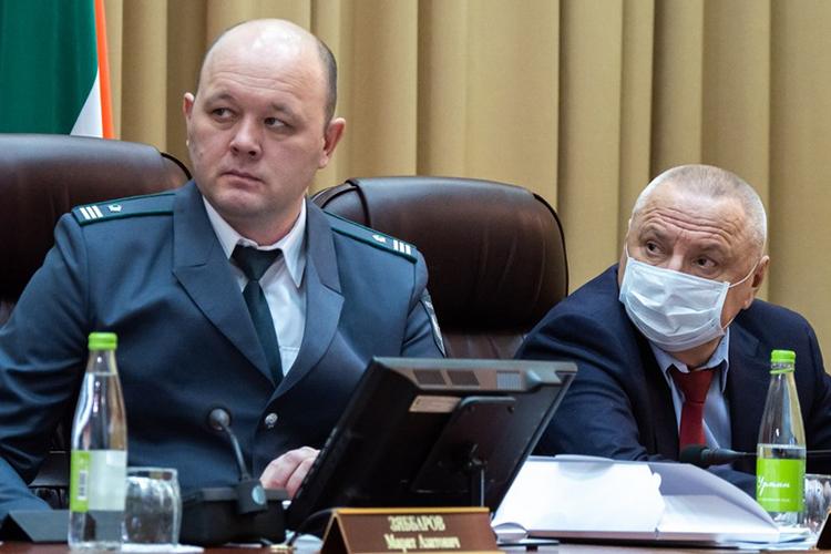 Ильнур Галеев (слева): «В 2020 году аграриями республики собран рекордный урожай зерновых»