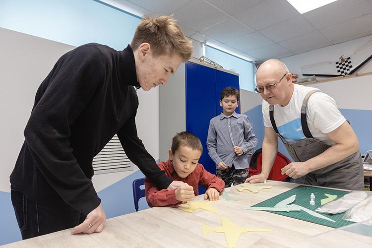 «Достаточно активная работа ведется сошкольниками. Причем, нетолько состаршеклассникам, аисучащимися начальных классов»