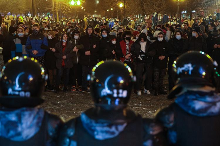 «Итоговая задача Навального икоалиции вокруг него— это массовые протесты всентябре–октябре 2021 года»