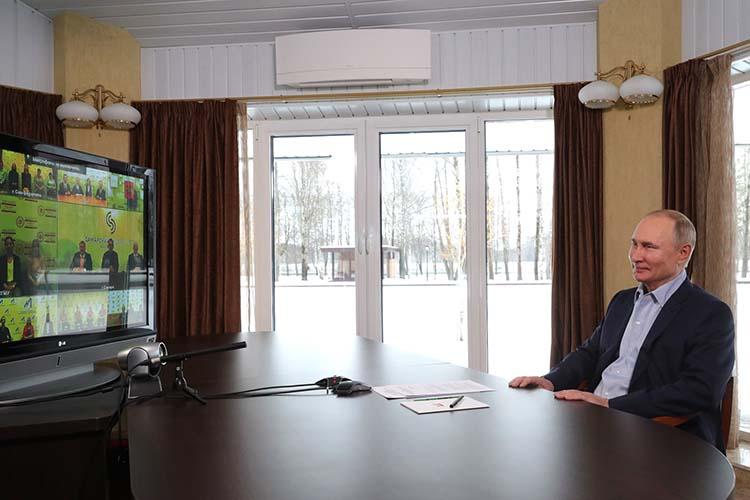 Владимир Путин:«Я заинтересовался только одним — виноделием… У меня есть советник Борис Титов, он владелец Абрау Дюрсо. Когда я работу закончу, может, пойду к нему...»