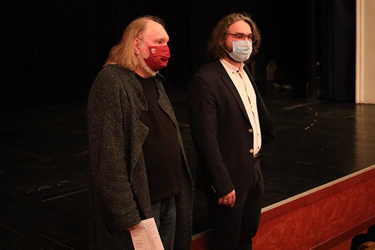 Ильгиз Зайниев (справа): «Важен темп, доменя театр выпускал три спектакля вгод, это очень маленькие скорости, ноязнаю, что они могут все делать быстрее, качественнее имасштабнее»
