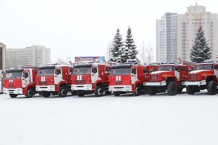 Интересно, что в конце прошлого года на сайте госзакупок появился новый тендер на капремонт 27 пожарных машин. На это из бюджета РТ выделено 120,7 млн рублей. Уже определен и победитель тендера — им вновь стал «Сигналдортранс»