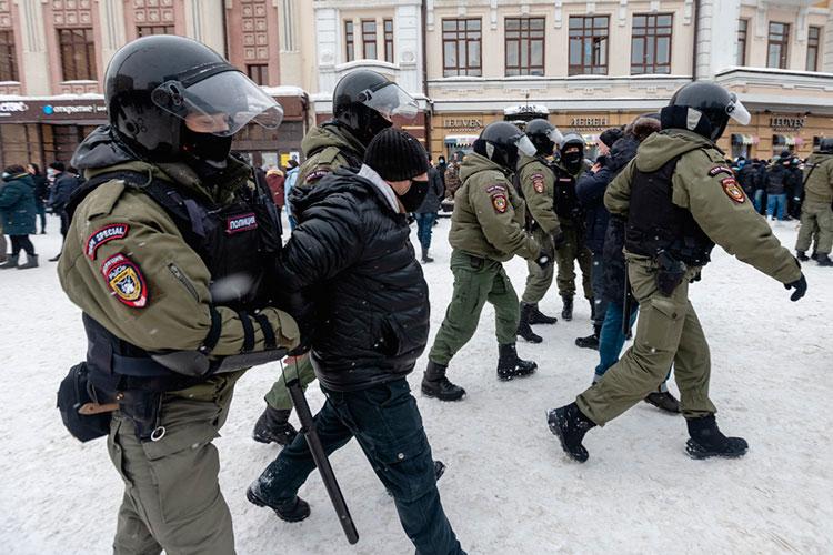 В интернете услышал «приходите на центральные улицы города», пришел к Кремлю, пошел в сторону Баумана