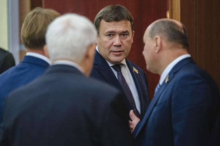 Как уточнил генеральный директор СК«АкБарс»Ренат Мистахов, наодной извстреч руководителей двух регионов президент РТРустам Миннихановрассказал, что Татарстан намерен строить «Метеоры»