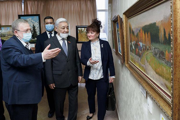 ВДоме дружбы народов РТоткрылась выставка картин «Лики России» изличного собранияВладимира Зорина