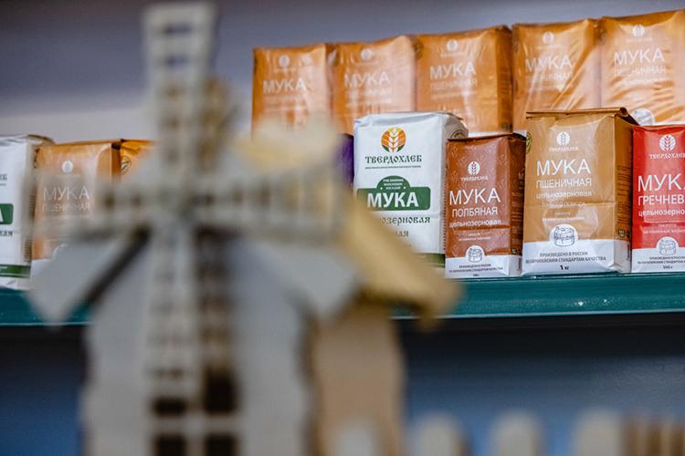 Вдесятку наиболее подорожавших продуктов вошла мука— иэто несмотря наэкстренно выделенные 5млрд рублей субсидий для производителей, азаоднозаградительные пошлины наэкспорт зерна