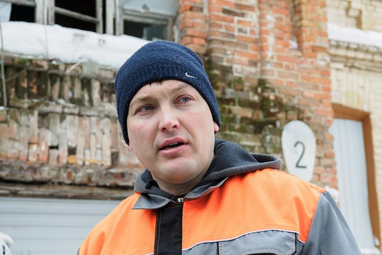 Иван Гущин:«Дом «Мазута» имеет интересную историю сточки зрения охраны памятника, в2009 году было издано соответствующее постановление опереселении изаварийного жилья, в2018-м последний житель отсюда съехал»