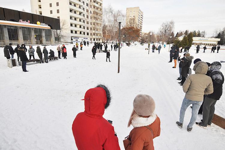 Никаких плакатов, флагов или политических лозунгов небыло. Многие местные жители вообще непонимали что происходит иниокаком Навальном неслышали