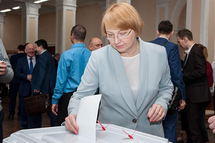 Третий — директор альметьевского филиала КНИТУ-КАИ Светлана Юдина