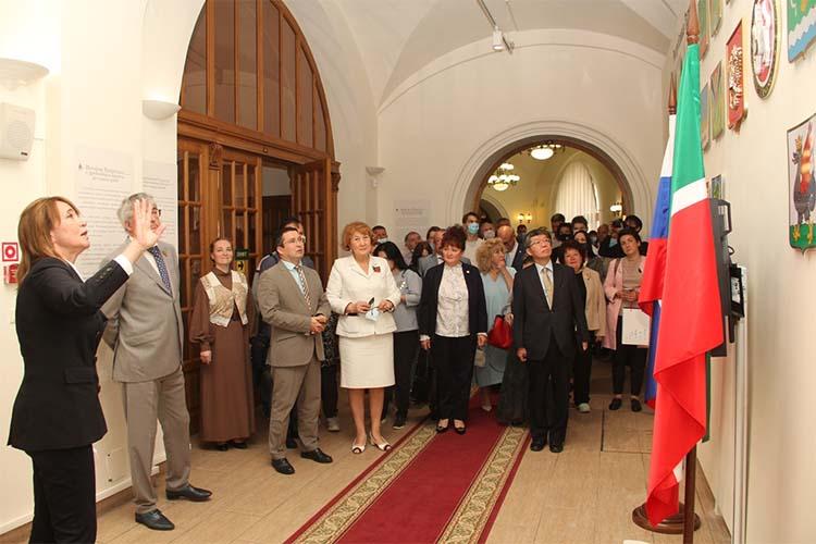 Выставка открылась вДень республики, 30августа 2020 года исейчас является постоянной экспозицией. Ееприурочили нетолько к100-летию ТАССР, нои125-летию содня основания самого Нацмузея РТ