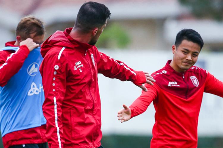 «Мой игровой стиль отличается оттого, как играет Олег или Дарко Йевтич. Нотем лучше, значит унас есть футболисты, которые могут дополнять друг друга»