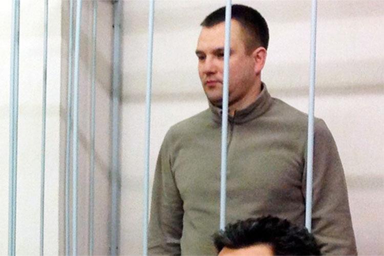 В 2013 году у Шабаева начались серьезные проблемы. Дело Кучаева передали в ФСКН, а через полгода в отношении начальника полиции Казани Руслана Халимдарова (на фото) завели дело за подброс наркотиков