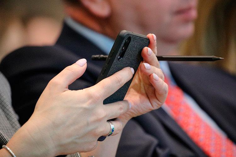 Геолокация абонента сотовой связи может перестать быть тайной для силовиков: минцифры РФразработало законопроект, который предлагает снять гриф секретности сэтих данных