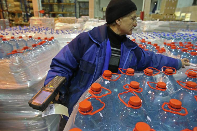 При запуске эксперимента предполагалось, что код попадает всистему при нанесении маркировки производителем, икод выбывает изсистемы при продаже воды