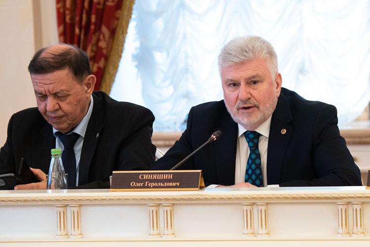 Олег Синяшинотметил, что СССР создал систему, позволявшую выявлять талантливых ребят еще нашкольной скамье, ивовлекать ихвнауку, носистема рухнула в90-х, ипоследствия катастрофы мысполна пожинаем исегодня