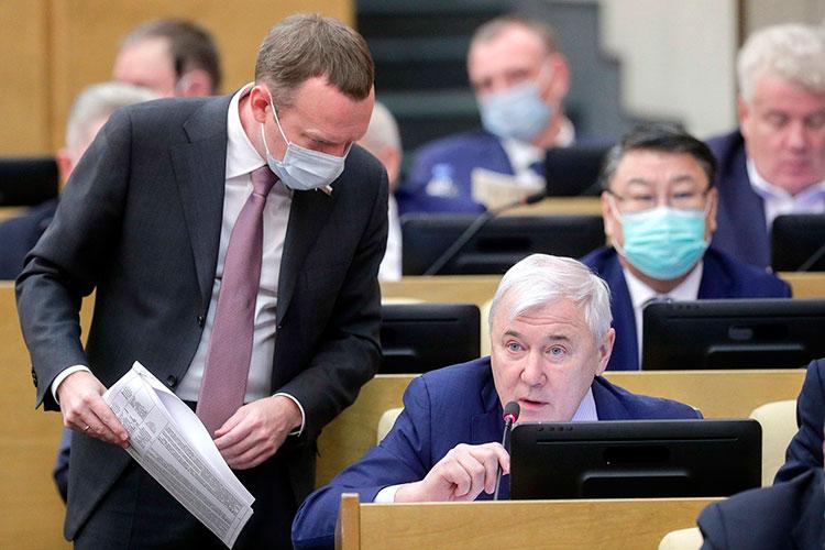 Анатолий Аксаков сообщил, что в связи с внедрением в Европе новых экологических стандартов и перехода на электромобили Россия может в будущем потерять в доходах от экспорта нефти
