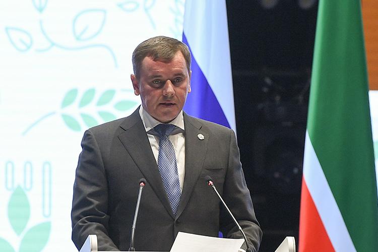 Марат Зяббаров:«Впрошлом году мысмогли нетолько обеспечить продовольственную стабильность Татарстана, ноисобрали при этом рекордный запоследнее 12 лет урожай хлеба— более 5,5млн тонн!»
