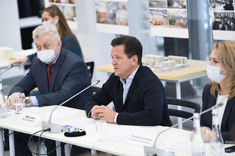 Ильсур Метшин пригласил всех неравнодушных выходцев столицы Татарстана творить наблаго Казани:«Выопережаете развитие, выопережаете время, как минимум, выидете вногу сним»