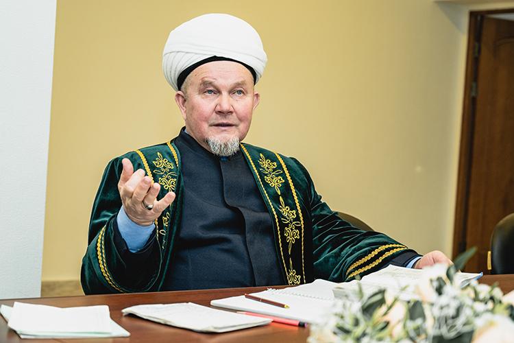 Джалиль Фазлыев: «Казый— это шариатский судья. Предвосхищая всевозможные кривотолки, сразу отмечу, что шариатский суд непротивопоставляется государственной системе правосудия»