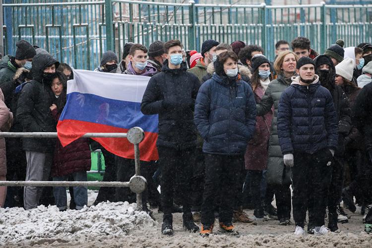 Шамсутдинов признал, что ихмитинг, скорее всего, небудет таким многолюдным, как несанкционированные шествия, организованныештабом Навального. Заявлено всего 200 человек