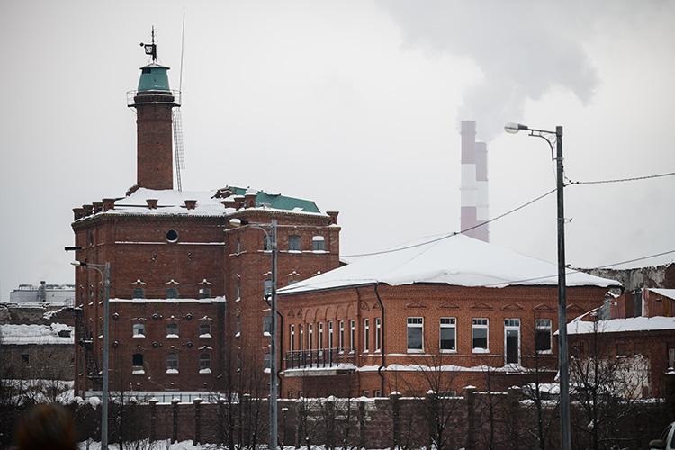 Неработающие заводы будут менять свою функцию наобщественную. Вцентре завода уже сформирована площадь, которая станет частью рекреации прибрежной зоны