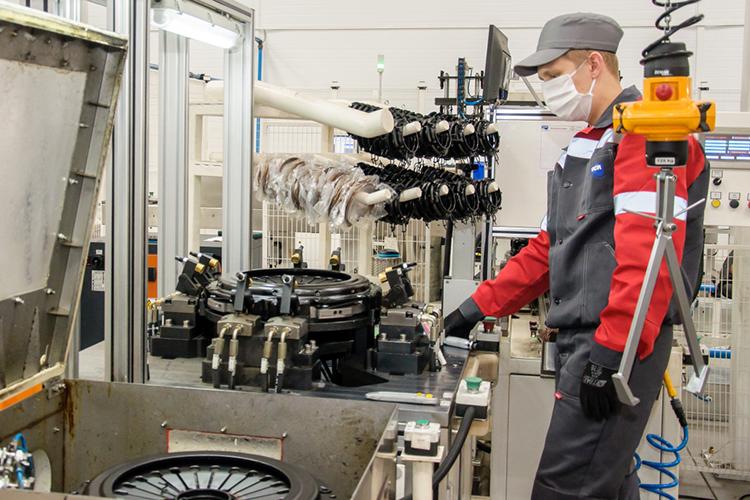 Алексей Кудринотметил, что автопром Татарстана вцелом стабилен, носнижение наблюдается впромышленном машиностроении, тут новым драйвером роста будут машины, использующие газомоторное топливо