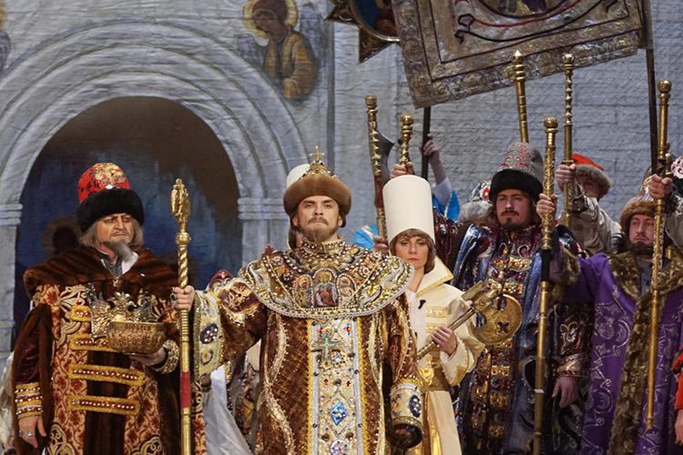 Вколочен этот гвоздь крепко, как меч Вельзе вясень: какже неотметить день рождения казанского «нашего всего», Федора Ивановича Шаляпина, исполнением оперы, которую легендарный бас прославил неменьше, чем она прославилаего