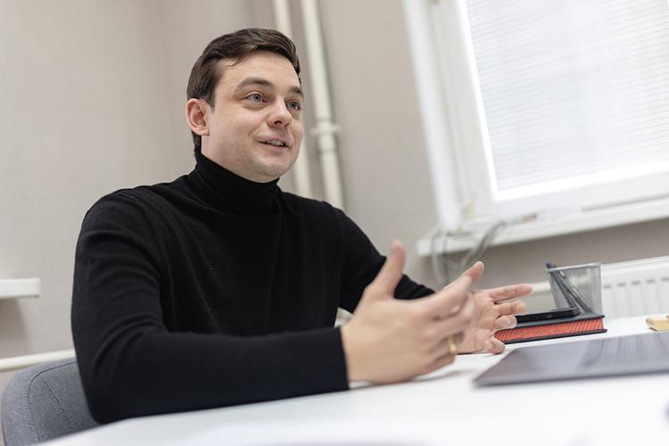Артем Костягин:«Мынепро деньги, впервую очередь мы—про продукт.Наша конечная цель—чтобы поитогу сдачи экзамена молодой человек был доволенсвоим результатом»