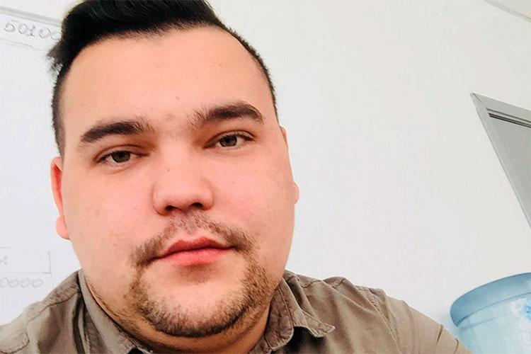 По информации наших источников, организатором преступного бизнеса «Феникса» силовики считают Рустама Джаббарова. Ему всего 24 года, он — уроженец Пензенской области