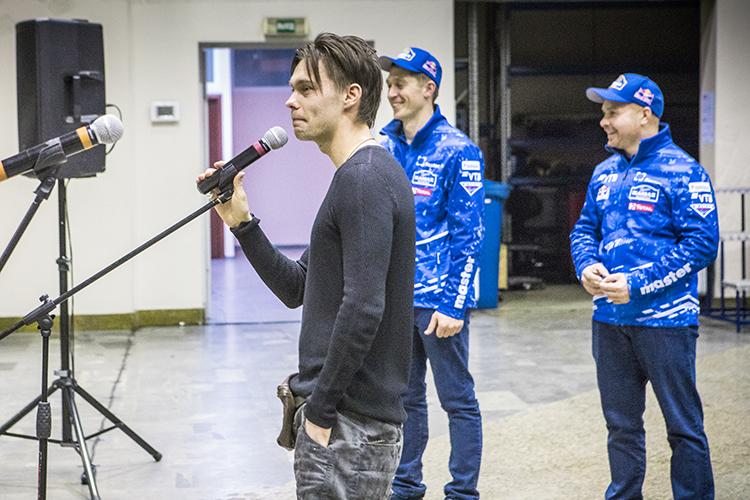 Созданием фильма при партнерстве «Татнефти», поддержки Минниханова и, разумеется, самой команды «КАМАЗ-Мастер», занялся продюсерский центр Art Pictures Vision