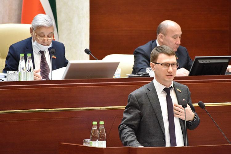 Артем Прокофьев напомнил, что изменения законодательства о митингах движутся только в сторону ужесточения
