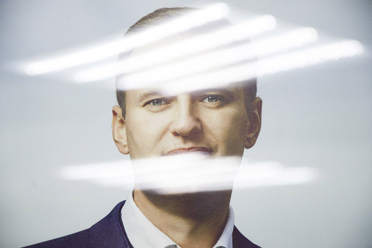 «Навальный представляет собой лидера оппозиции власти. Унего, похоже, есть цель стать единственным лидером оппозиции— реальной, анемарионеточной или купленной оппозиции»