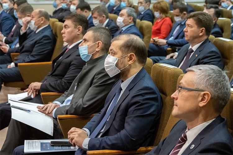 Реальному сектору экономики республикигосударственная поддержкабыла оказана на39млрдрублей, аэто на10млрд рублей больше, чем годом ранее