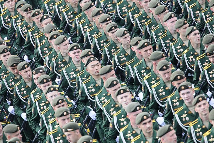 «Есть наши военные— военнослужащие Вооруженных сил РФ— это одна категория. Что касается ЧВК, это абсолютно другая категория. Они неявляются формированиями, созданными государством»