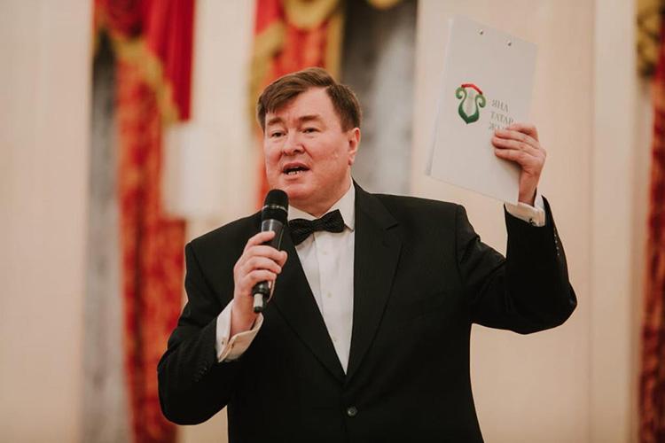 Рифат Фаттахов:«Втечение почти 20 лет язанимаюсь практическими вопросами татарской эстрады, впервую очередь, как продюсер, одна изглавных задач которого иесть определение репертуара для молодых певцов»