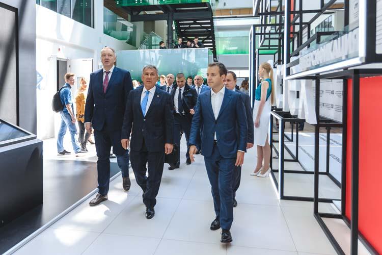 «Мне очень повезло, что я оказался в Татарстане в команде Минниханова, в ней вырос, проявил себя, появилась стартовая точка для того, чтобы попасть уже в команду Путина и Медведева»