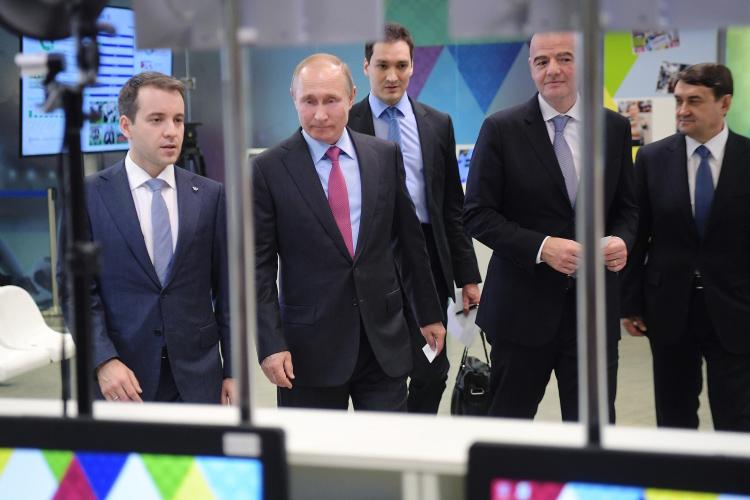 «Я не представляю, как Путина на данном этапе развития страны мог бы заменить какой-то другой руководитель. Говорю это совершенно без какого-то пафоса. Я считаю, что он профессионал своего дела»