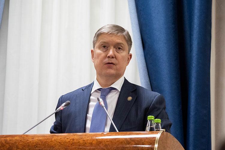 Рустам Нигматуллин: «Необходимо также принять меры по взысканию задолженности за услуги ЖКХ»